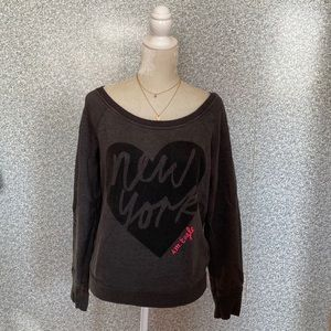 ❤️American Eagle NY City Gray Heart Sweatshirt M❤️